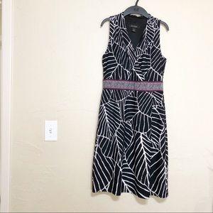 White House Black Market Sleeveless Dress S